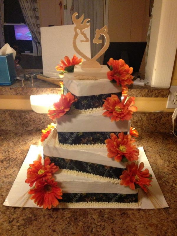 9-camouflage-wedding-cake
